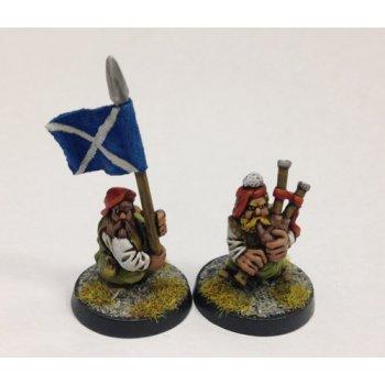Dwarf highlanders (musician and banner)