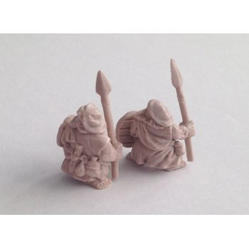Dwaf highlanders with spears